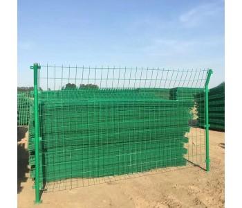 厂家直销铁路公路隔离网双边丝护栏网浸塑防护隔离网